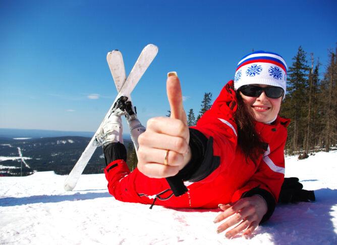 Na własnych nartach będziesz czuć się lepiej (Shutterstock)