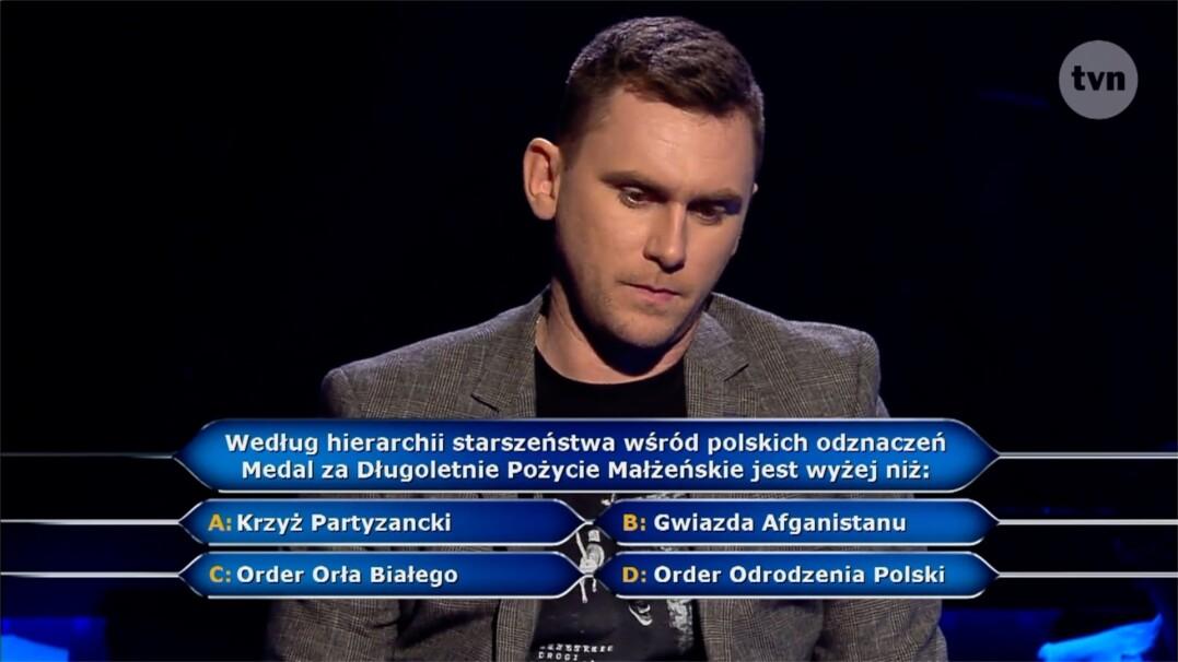 """Pytanie z """"Milionerów"""" o polskie odznaczenia za ćwierć miliona złotych"""
