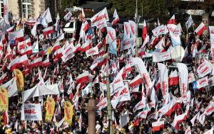 Tysiące manifestantów na placu Zamkowym