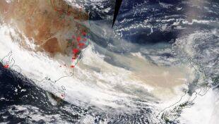 Australia płonie. Dym z pożarów widoczny z kosmosu
