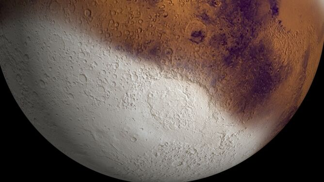 Nocą na Marsie szaleją śnieżyce. <br />Bałwana jednak nie ulepimy