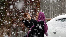 Obfite opady śniegu w Iranie (PAP/EPA/ABEDIN TAHERKENAREH)